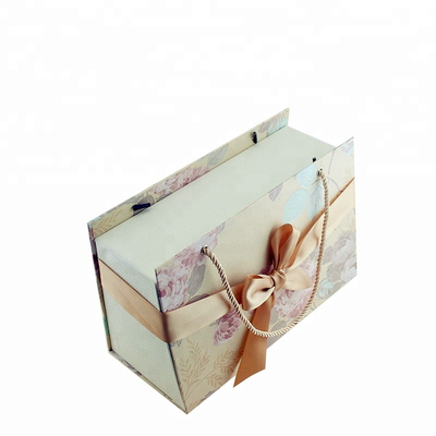 .large Luxury Christmas Gift Paperboard Packaging Gift Box With Handle