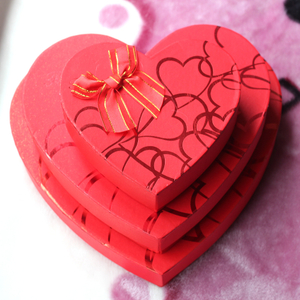 Chocolate candy gift box with window PVC transparent love gift box for Korean exquisite heart box
