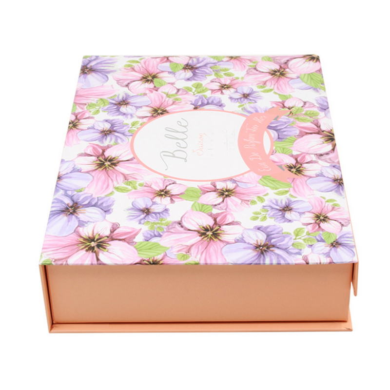 Customized Gift Packaging box, Recyclable Paper Magnet Closure Folding Boxes for Clothes